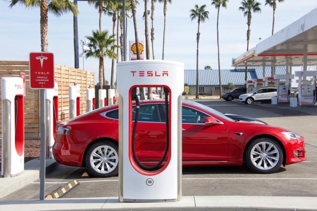 Най-скъпата евтина Tesla