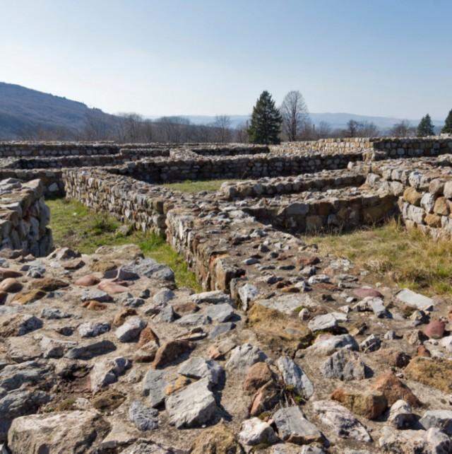 Перник е на 12 века, крие много история и малко Холивуд